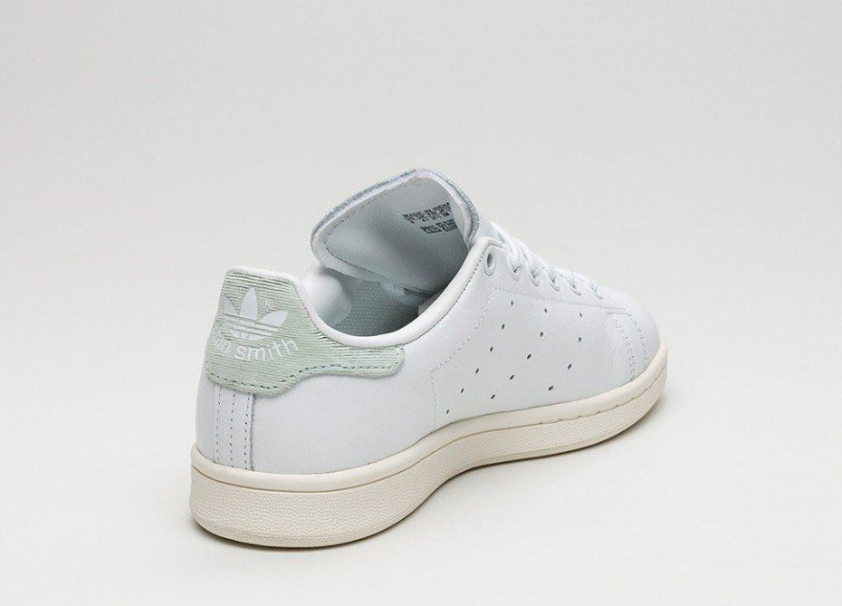 8b05c6af106b7 Adidas Stan Smith Velcro, Women's Fashion, Shoes, Sneakers on Carousell