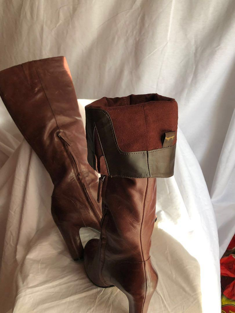 Almost new Sam Edelman knee high boots with non slip soles