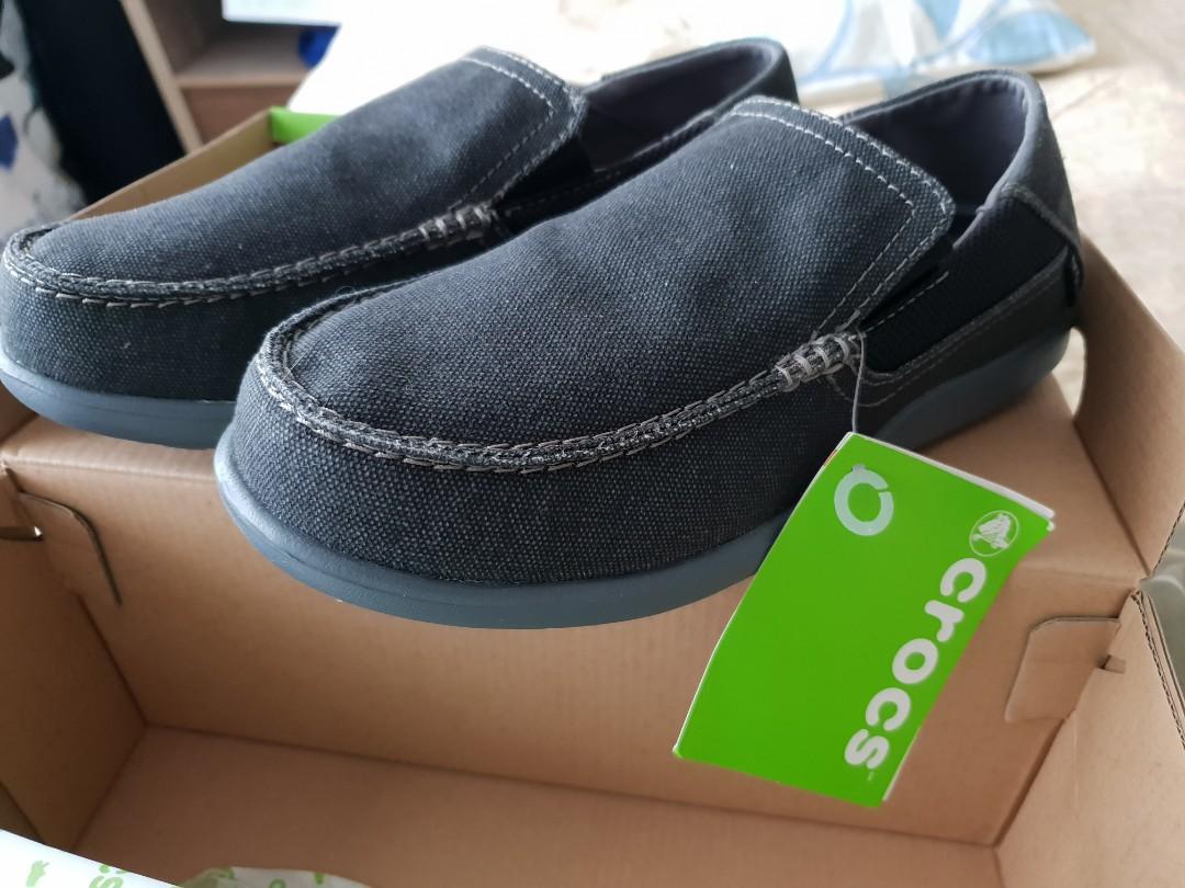5a572a83e24 Crocs Santa Cruz 2 Luxe Loafer