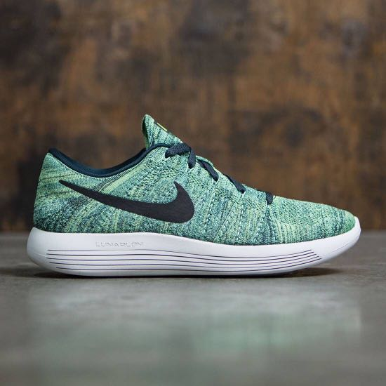 factory price cd75b 7bb3d Nike Lunarepic Low Flyknit