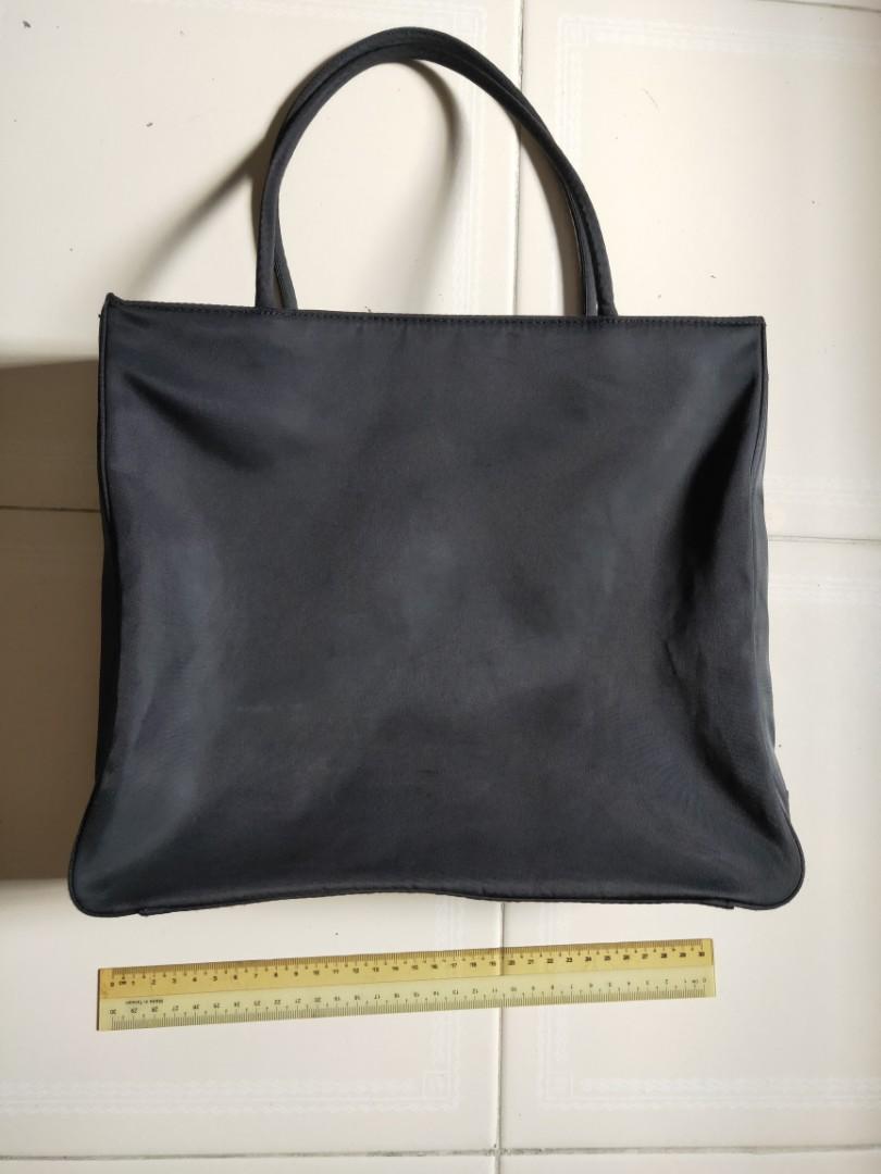 456f4dcabe2f Prada shoulder bag