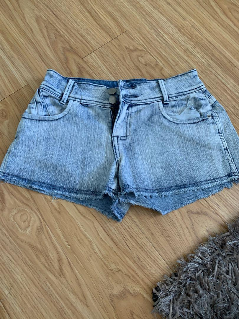Short with studs