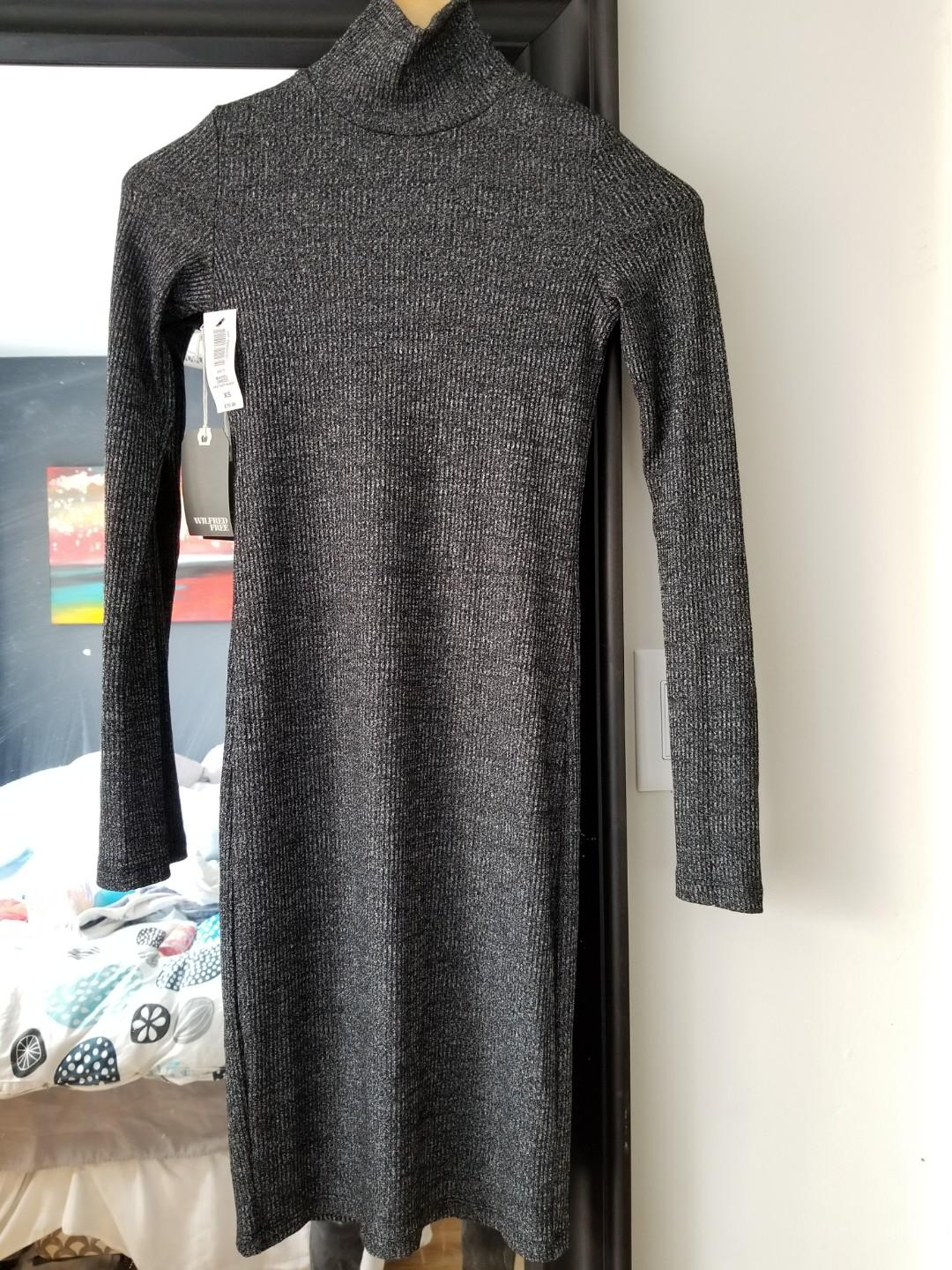 Wilfred Muriel dress. Size XS. New with tags. Regiftable. Never worn. Purchased for $75+tax. PU gerrard and main for $38 or Yorkville for $40.