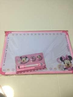 🚚 Minnie Mouse drawing board