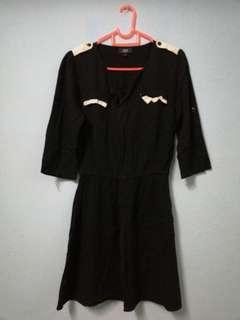 black color dress.