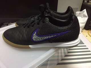 NIKE MAGISTAX FINALE IC