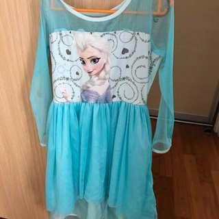 🚚 Elsa original Disney dress with cape