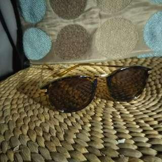 Leopard print sunnies