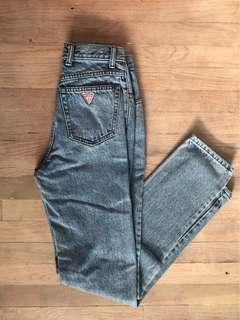 VINTAGE HIGHWAISTED GUESS JEANS