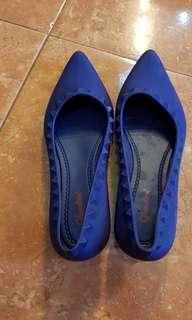 Sepatu Glanzton