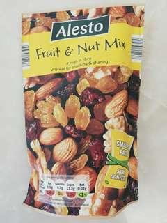 Fruit and nut mix 果仁