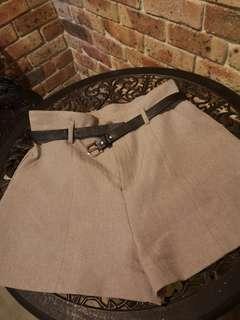 High waisted shorts w/belt