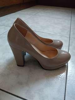🚚 藕紫高跟鞋