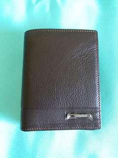Brand new Leather wallet for men with zipper 全新男士真皮銀包 內設拉鍊 直款