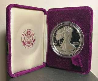 1987 精鑄美國鷹揚1安士純銀幣連錦盒及証書