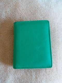 全新 綠色油皮銀包