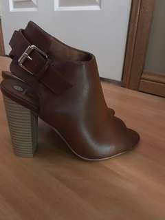 *price drop* Women's heels size 9