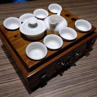 🚚 原木白瓷茶具。。