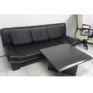 Sofa Hitam + Meja Kayu Hitam