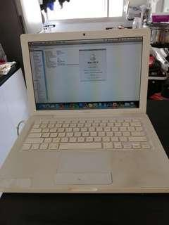 Mac book old and used