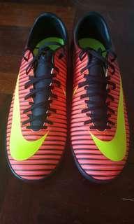 Nike 人造草 仿真草 足球鞋