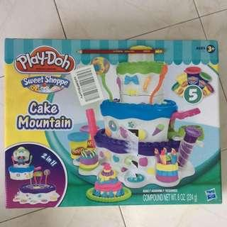 🚚 Authentic PlayDoh Cake Mountain Set