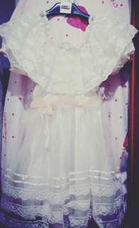 Gaun pengapit pengantin