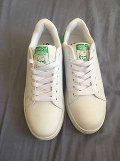 Adidas Stan Smith UK 8 New