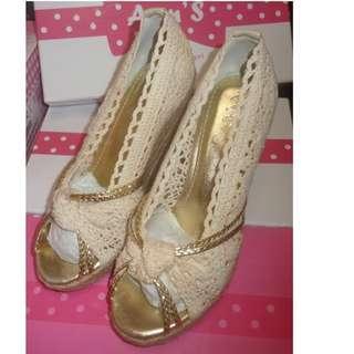 Ann'S 草藤之戀 藤編楔型鞋*米色 杏色   37號  23.5cm  全新品   需先匯款才出貨  運費另計60元  另外加贈全新鞋墊