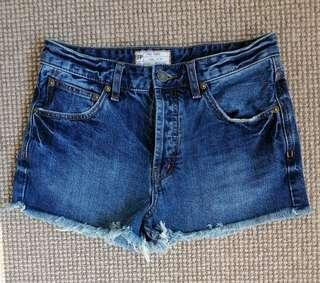 FREE PEOPLE like new MID BLUE denim cut off SHORTS 27 26 8