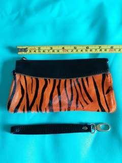 Brand new Leather wallet/clutch bag with zipper for women 全新女士真皮銀包/手提包 橙色斑馬紋