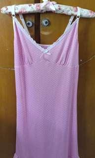 Linggeri pink lucu motif love