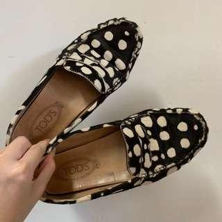 🚚 Tod's Gommino經典牛皮豆豆鞋 平底鞋