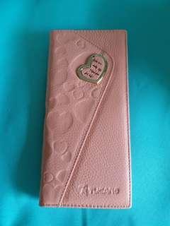 長形 真皮 粉紅色 銀包 19x9cm 心形金屬扣有少少瑕疵 介意者請勿下標