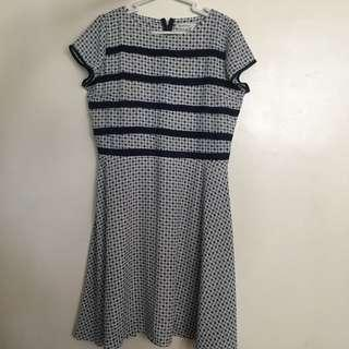 Preloved paperdolls dress