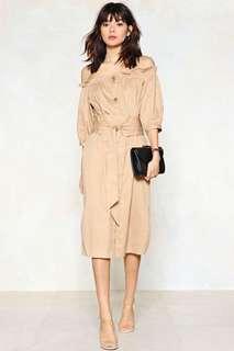 Nasty gal beige off shoulder midi dress Trench coat style button down with belt in sand beige 卡其淺駝色一字膊露肩中長裙