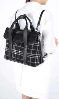 🚚 2 way black checkered handbag bagpack
