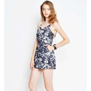 🚚 Brand New Love and Bravery Shattered Glass Romper Blue L