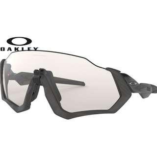 Authentic Oakley Flight Jacket Sunglasses Black (Photochromic Lens)