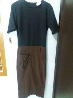 Dress with Contrasting Belt (Dark Choco)