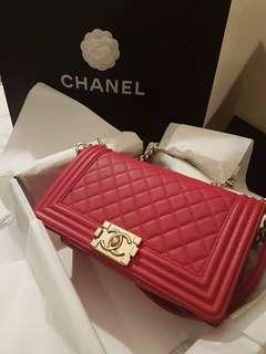 •Chanel  •Le boy old medium in gold hardware• •strawberry pink color• •comes with paperbag,dustbag,authenticity card• •brandnew•