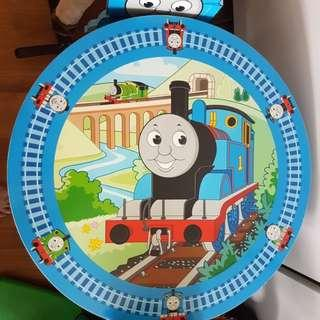 🚚 THOMAS THE TRAIN set- A table and 2 chairs for little fans