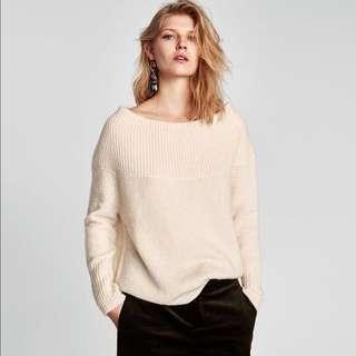 Zara off shoulder cream baggy boyfriend style sweater jumper 米白色針織一字膊路肩毛衣
