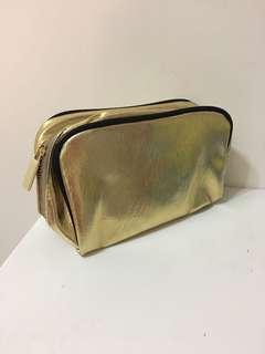 🚚 《全新》SUQQU金色化妝包