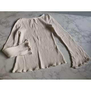 Ribbed Trumpet Sleeve Top