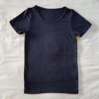 PL Uniqlo Heattech Size 120 Short Sleeve T-shirt