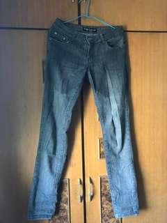 🚚 灰色 牛仔褲