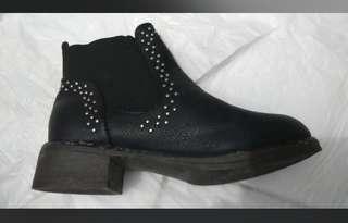 Boot beli di Thailand
