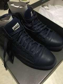 🚚 G Star Navy Leather Sneakers