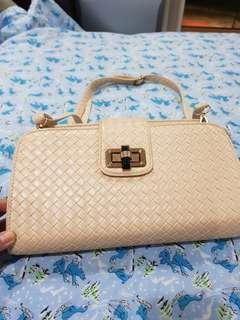 🚚 Handbag for sale with free  kade spade wallet
